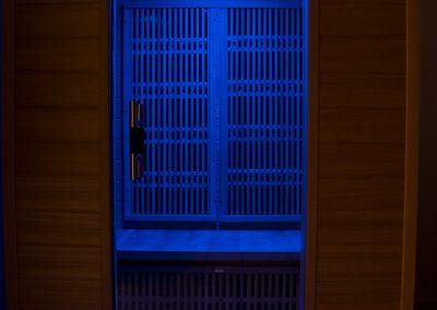 Szauna kék LED világítás fényterápia
